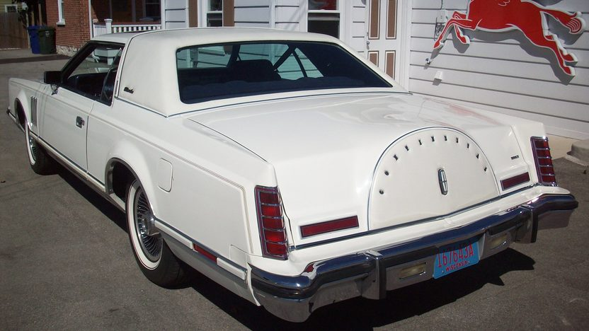 1979 Lincoln Mark V Collector Edition 400 CI, Automatic presented as lot T272 at St. Charles, IL 2011 - image3