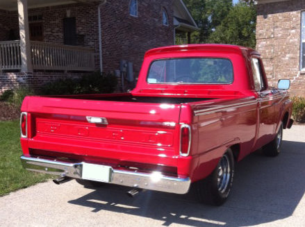 1964 Ford F100 Pickup 351 CI, Automatic presented as lot T273 at St. Charles, IL 2011 - image4