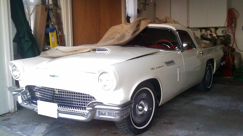1957 Ford Thunderbird 312/245 HP, Automatic presented as lot F18 at St. Charles, IL 2011 - image2