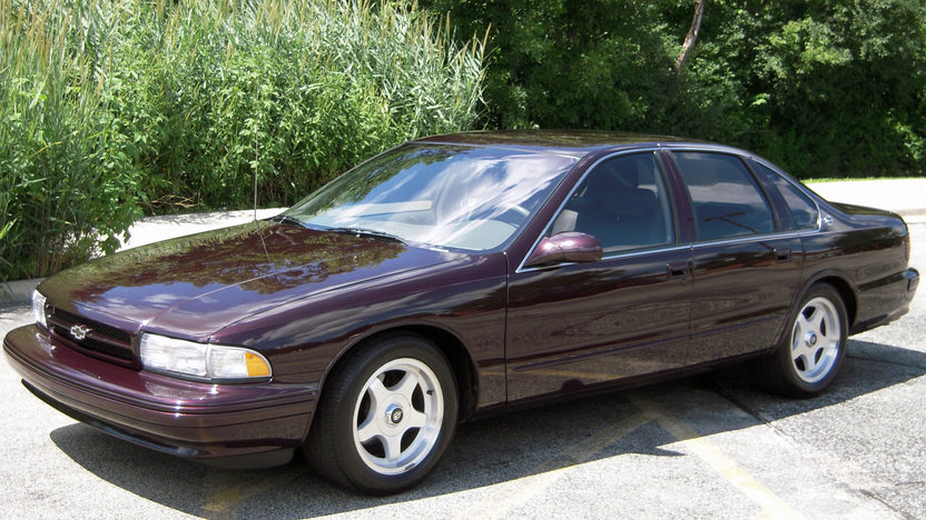 1996 Chevrolet Impala SS 5.7L, Automatic presented as lot F25 at St. Charles, IL 2011 - image8