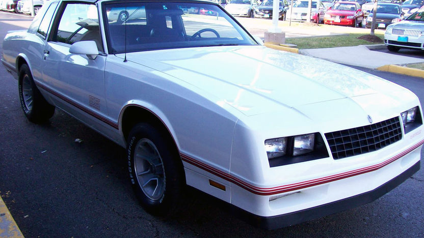 1987 Chevrolet Monte Carlo SS Aerocoupe presented as lot F28 at St. Charles, IL 2011 - image8