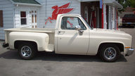 1986 Chevrolet C10 Pickup 350/355 HP, Automatic presented as lot F33 at St. Charles, IL 2011 - thumbail image2