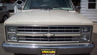1986 Chevrolet C10 Pickup 350/355 HP, Automatic presented as lot F33 at St. Charles, IL 2011 - thumbail image3