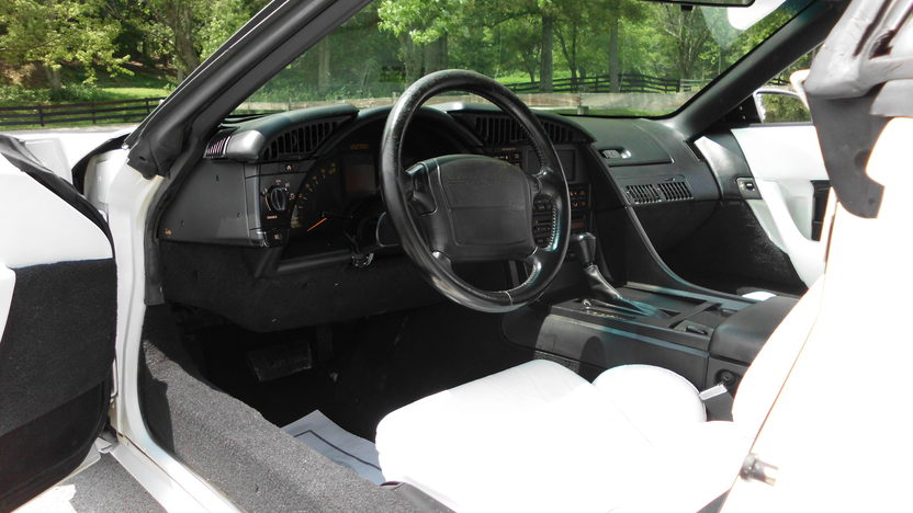 1993 Chevrolet Corvette Convertible LT1, Automatic presented as lot F40 at St. Charles, IL 2011 - image5