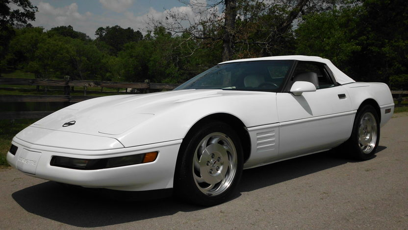 1993 Chevrolet Corvette Convertible LT1, Automatic presented as lot F40 at St. Charles, IL 2011 - image8