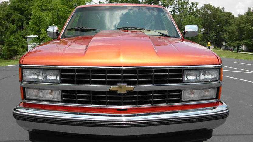 1992 Chevrolet CK 1500 Pickup 350 CI, Automatic presented as lot F54 at St. Charles, IL 2011 - image3
