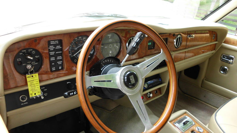1989 Rolls-Royce Silver Spur 6.8L, Automatic presented as lot F60 at St. Charles, IL 2011 - image7