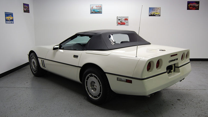 1986 Chevrolet Corvette Anniversary Edition presented as lot T139 at St. Charles, IL 2011 - image2
