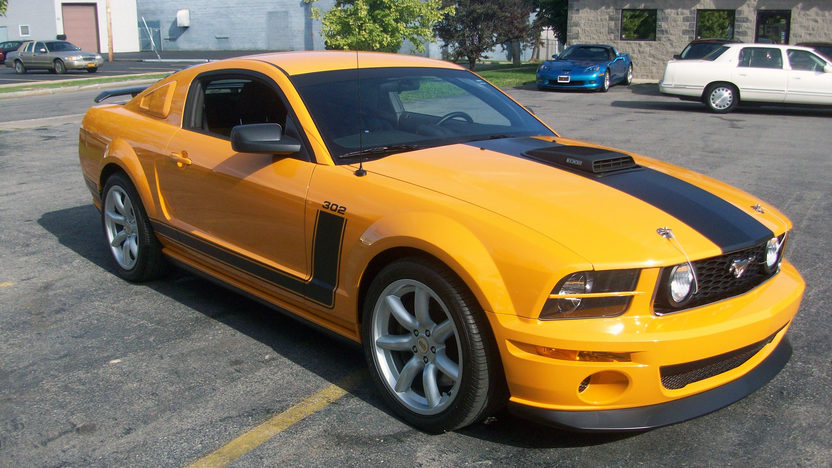 2007 Ford Mustang Saleen 302 CI, 6-Speed presented as lot F87 at St. Charles, IL 2011 - image8