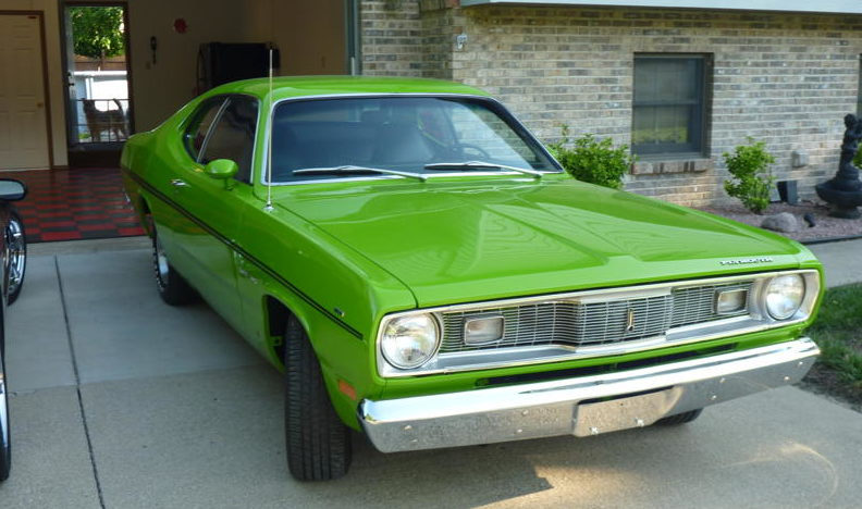 1970 Plymouth Duster 2-Door Hardtop 340/265 HP, 3-Speed presented as lot F92 at St. Charles, IL 2011 - image2
