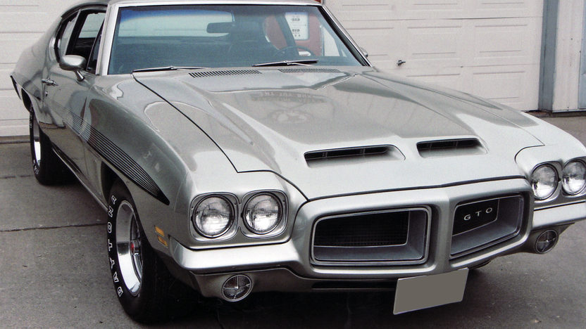 1972 Pontiac GTO Coupe 400 CI, 4-Speed presented as lot F95 at St. Charles, IL 2011 - image8