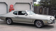 1972 Pontiac GTO Coupe 400 CI, 4-Speed presented as lot F95 at St. Charles, IL 2011 - thumbail image2