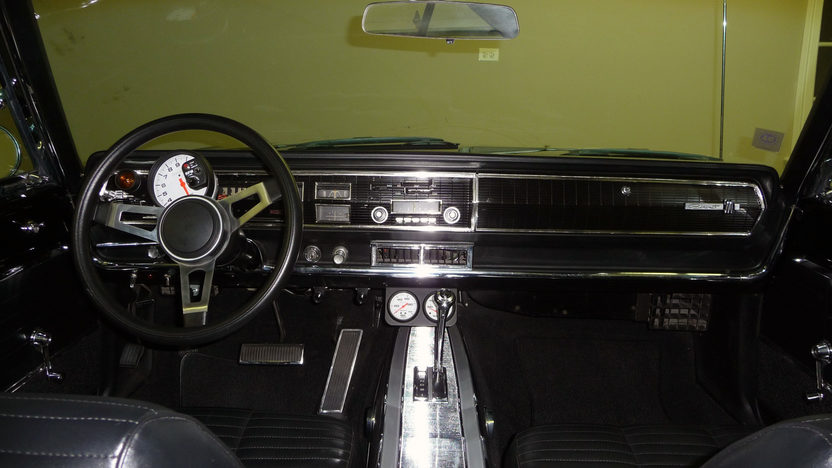 1966 Dodge Coronet 500 528/605 HP Hemi, Automatic presented as lot F96 at St. Charles, IL 2011 - image4