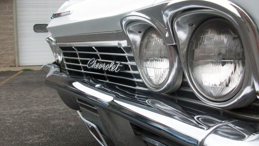 1965 Chevrolet Impala Convertible 327 CI, Automatic presented as lot F109 at St. Charles, IL 2011 - image4