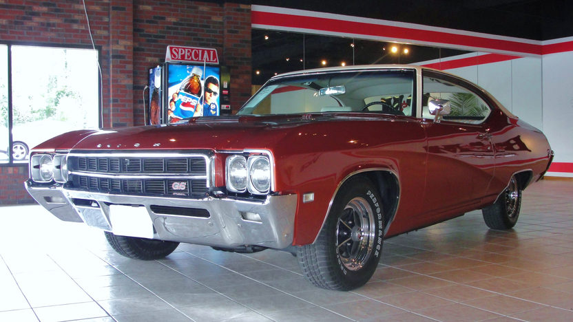 1969 Buick Skylark GS 2-Door Hardtop 400 CI, Automatic presented as lot F123 at St. Charles, IL 2011 - image2