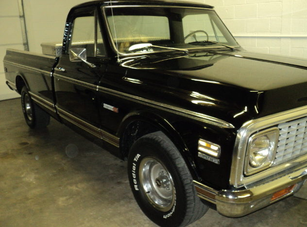 1972 Chevrolet Cheyenne Pickup 454/390 HP, Automatic presented as lot F132 at St. Charles, IL 2011 - image4