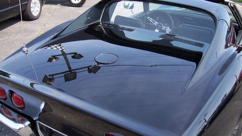 1969 Chevrolet Corvette Coupe 350/350 HP, 4-Speed presented as lot F133 at St. Charles, IL 2011 - image3