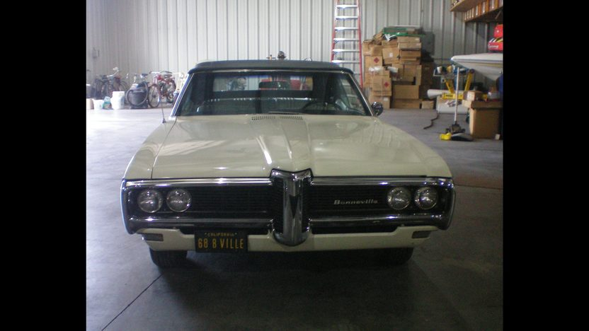 1968 Pontiac Bonneville Convertible 400 CI presented as lot F157 at St. Charles, IL 2011 - image2