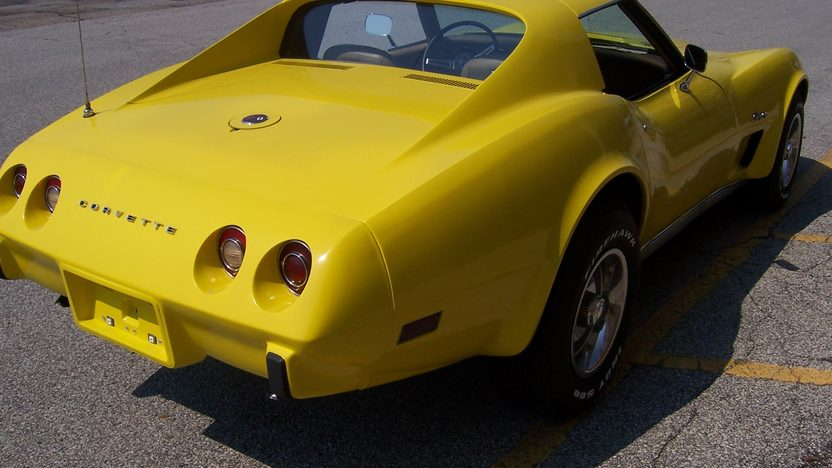 1975 Chevrolet Corvette 350/220 HP, 4-Speed presented as lot F160 at St. Charles, IL 2011 - image3
