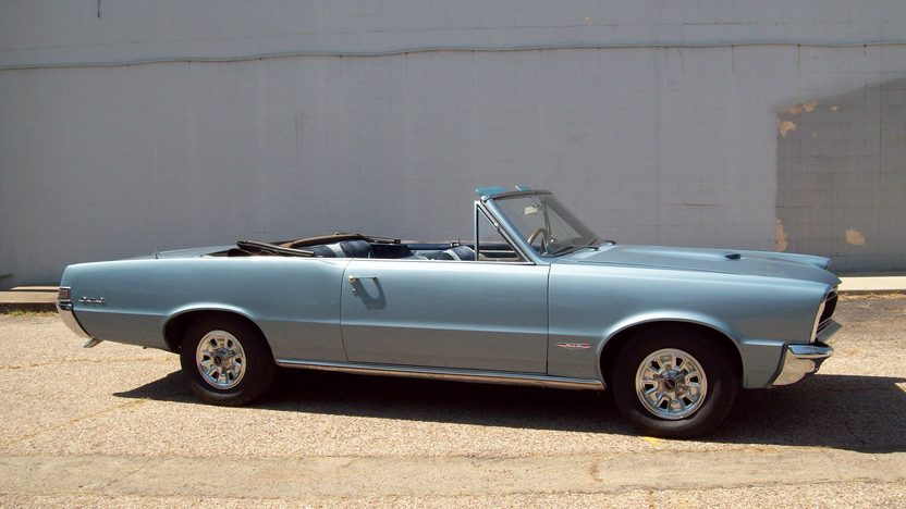 1965 Pontiac GTO Convertible 389 CI, 4-Speed presented as lot F169 at St. Charles, IL 2011 - image2
