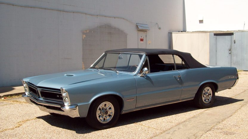1965 Pontiac GTO Convertible 389 CI, 4-Speed presented as lot F169 at St. Charles, IL 2011 - image5