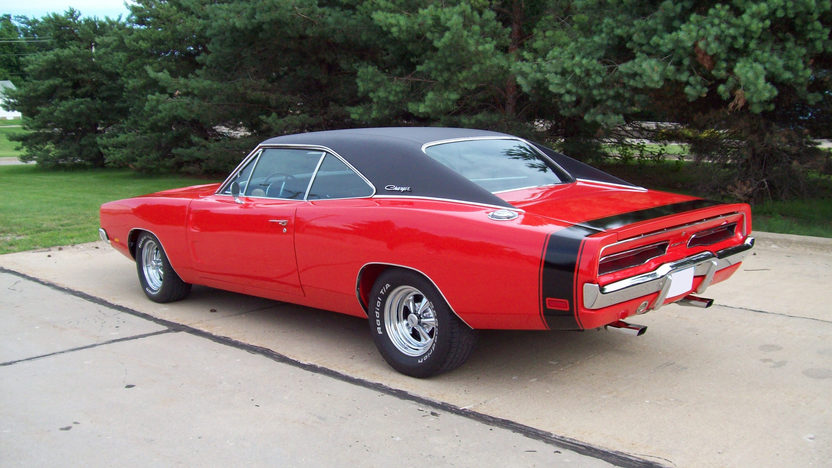 1969 Dodge Charger Coupe 440 CI, 4-Speed presented as lot F172 at St. Charles, IL 2011 - image2