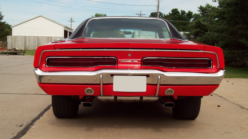 1969 Dodge Charger Coupe 440 CI, 4-Speed presented as lot F172 at St. Charles, IL 2011 - image3