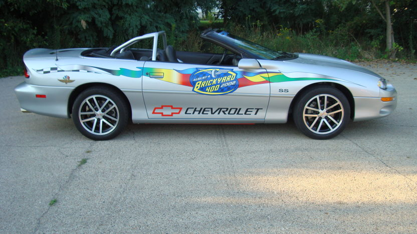 2002 Chevrolet Camaro Pace Car Convertible presented as lot F174 at St. Charles, IL 2011 - image7