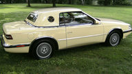 1989 Chrysler TC Maserati Automatic presented as lot F276 at St. Charles, IL 2011 - thumbail image3
