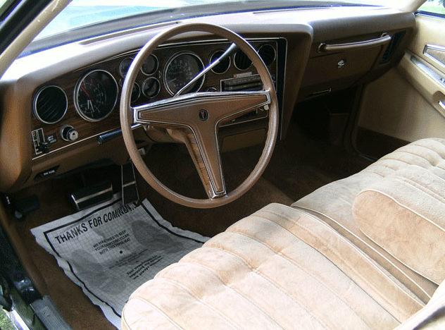 1977 Pontiac Grand Prix LJ 400 CI, Automatic presented as lot F277 at St. Charles, IL 2011 - image4