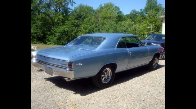 1967 Chevrolet Chevelle 327/325 HP, 4-Speed presented as lot F294 at St. Charles, IL 2011 - image2