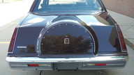 1984 Lincoln Continental 4-Door Sedan 302 CI, Automatic presented as lot F295 at St. Charles, IL 2011 - thumbail image4