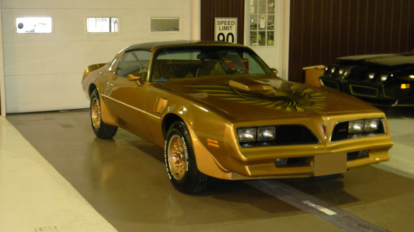 1978 Pontiac Trans Am 400 CI, Automatic presented as lot F187 at St. Charles, IL 2011 - image2