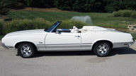 1972 Oldsmobile Cutlass Convertible 350 CI, Automatic presented as lot F199 at St. Charles, IL 2011 - thumbail image3