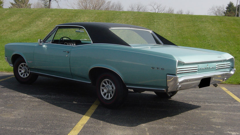 1966 Pontiac GTO 4-Speed presented as lot F203 at St. Charles, IL 2011 - image2