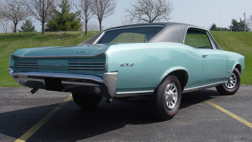 1966 Pontiac GTO 4-Speed presented as lot F203 at St. Charles, IL 2011 - image3