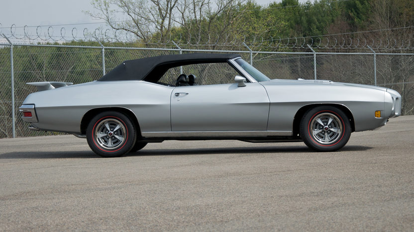 1970 Pontiac GTO Convertible 400/350 HP, 4-Speed presented as lot F210 at St. Charles, IL 2011 - image3