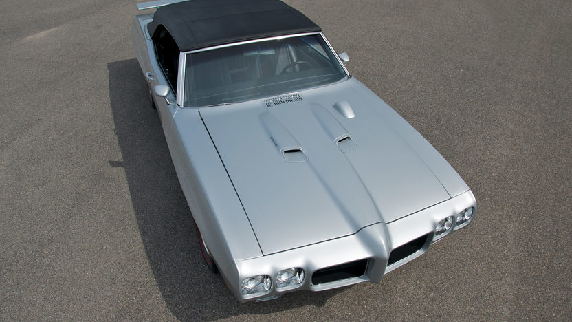 1970 Pontiac GTO Convertible 400/350 HP, 4-Speed presented as lot F210 at St. Charles, IL 2011 - image8