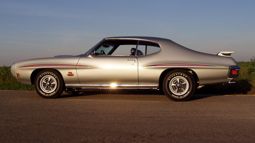 1970 Pontiac GTO Judge 400/366 HP, 4-Speed presented as lot F213 at St. Charles, IL 2011 - image10