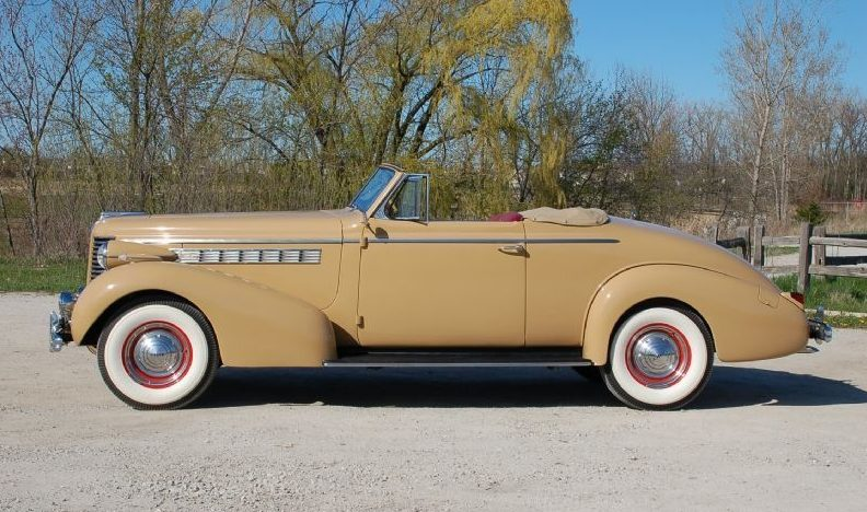 1938 Buick Century Convertible 320/141 HP, 3-Speed presented as lot F215 at St. Charles, IL 2011 - image3
