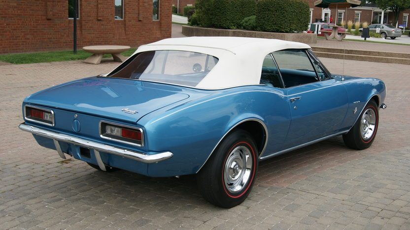 1967 Chevrolet Camaro Automatic presented as lot F224 at St. Charles, IL 2011 - image6