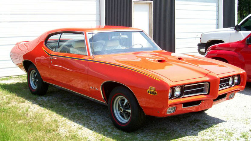 1969 Pontiac GTO Judge Ram Air IV 2-Door Hardtop 400/370 HP, 4-Speed presented as lot F232 at St. Charles, IL 2011 - image4