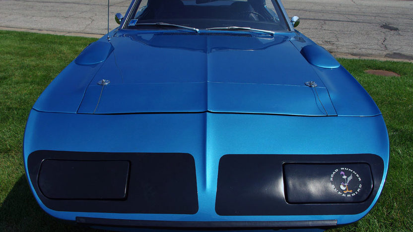 1970 Plymouth Superbird 440/375 HP, 4-Speed presented as lot F239 at St. Charles, IL 2011 - image2