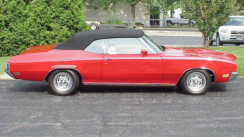 1971 Buick Skylark Convertible 455 CI, Automatic presented as lot F247 at St. Charles, IL 2011 - image2