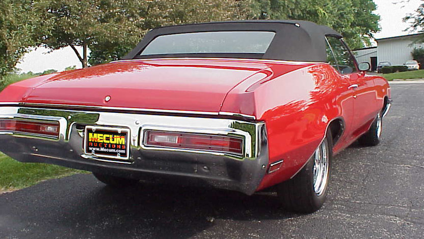1971 Buick Skylark Convertible 455 CI, Automatic presented as lot F247 at St. Charles, IL 2011 - image3