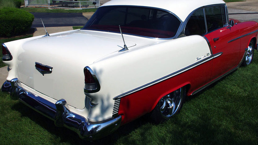 1955 Chevrolet Bel Air 2-Door Hardtop 5.7L, Automatic presented as lot F249 at St. Charles, IL 2011 - image2
