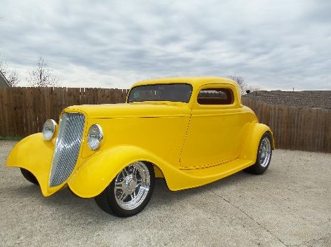 1933 Ford  Coupe 468 CI, Automatic presented as lot F250 at St. Charles, IL 2011 - image12