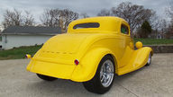 1933 Ford  Coupe 468 CI, Automatic presented as lot F250 at St. Charles, IL 2011 - thumbail image2
