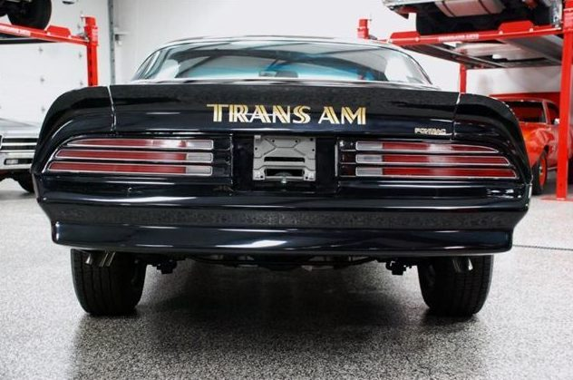 1976 Pontiac Trans Am 400 CI, 4-Speed presented as lot F275 at St. Charles, IL 2011 - image3