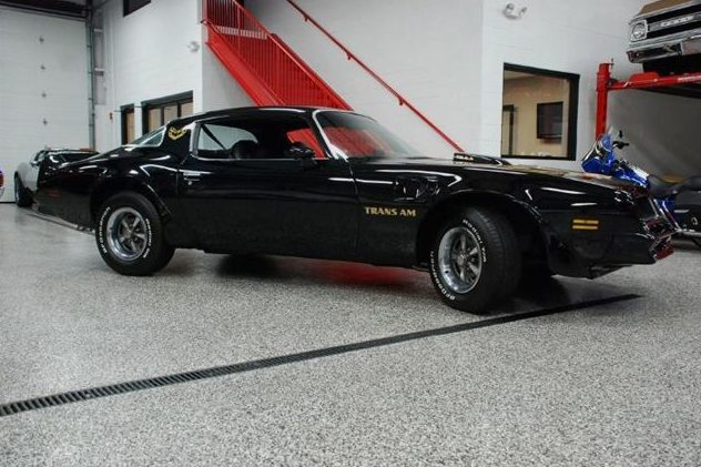 1976 Pontiac Trans Am 400 CI, 4-Speed presented as lot F275 at St. Charles, IL 2011 - image4